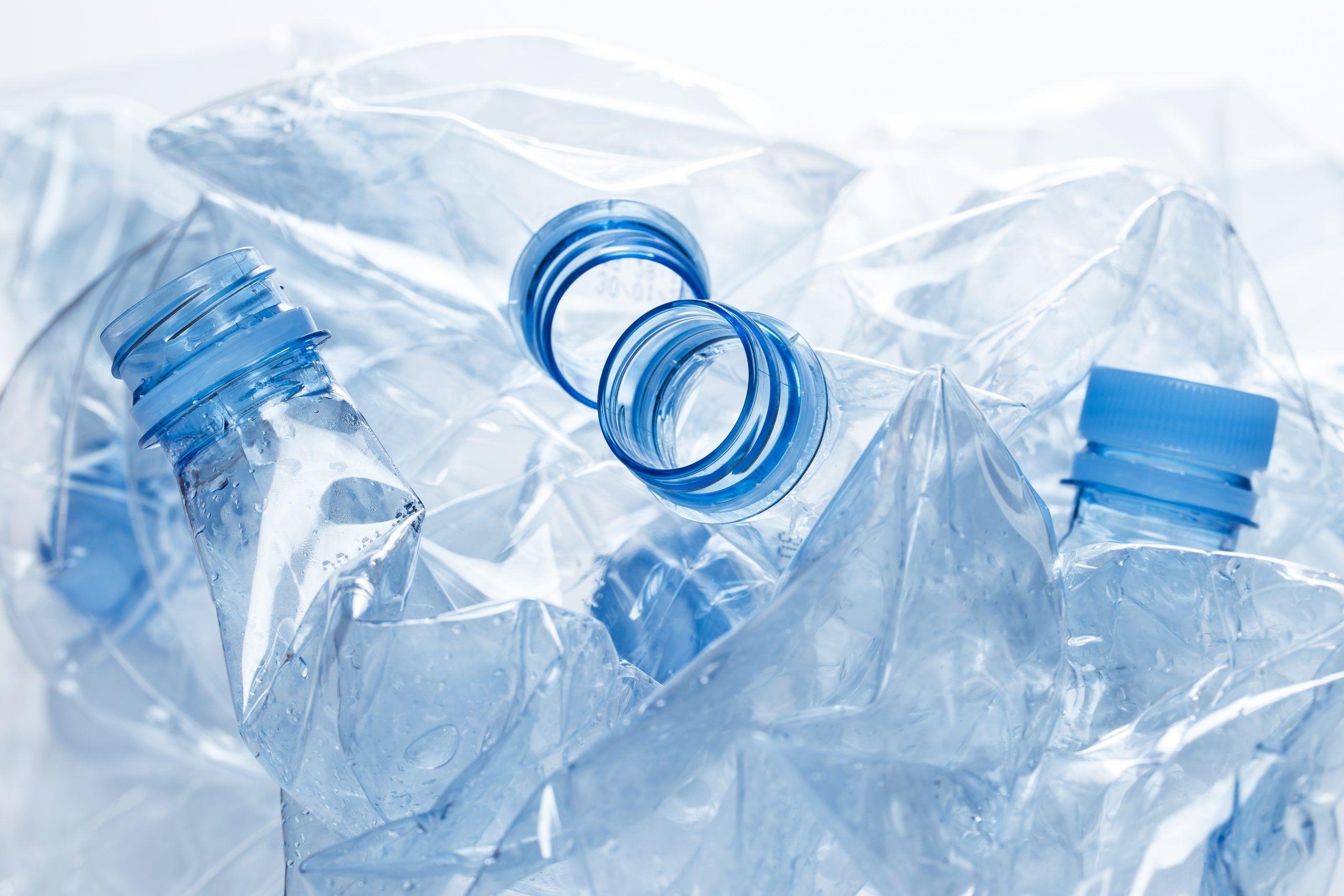 Botellas de agua vacías